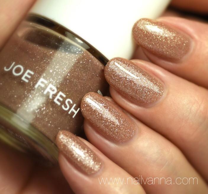 Nailvanna,nail polish reviews,lacquer,Joe Fresh,Nude Glaze,Gold,nail art