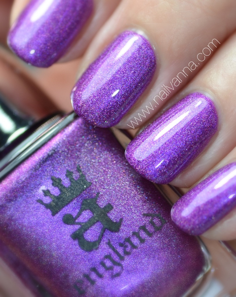 nailvanna,nail polish reviews,lacquer,a england,holographic,purple,queen of thisles