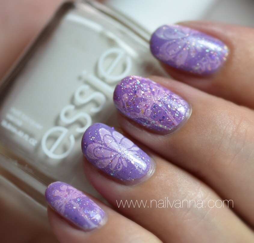 Nailvanna, nail polish reviews,lacquer,Essie,Lapiz of Luxury,Blanc,Sinful Colors, Pinky Glitter