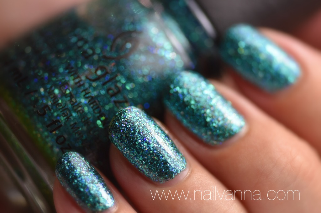 China Glaze I Soiree I Didn't Do It Macro