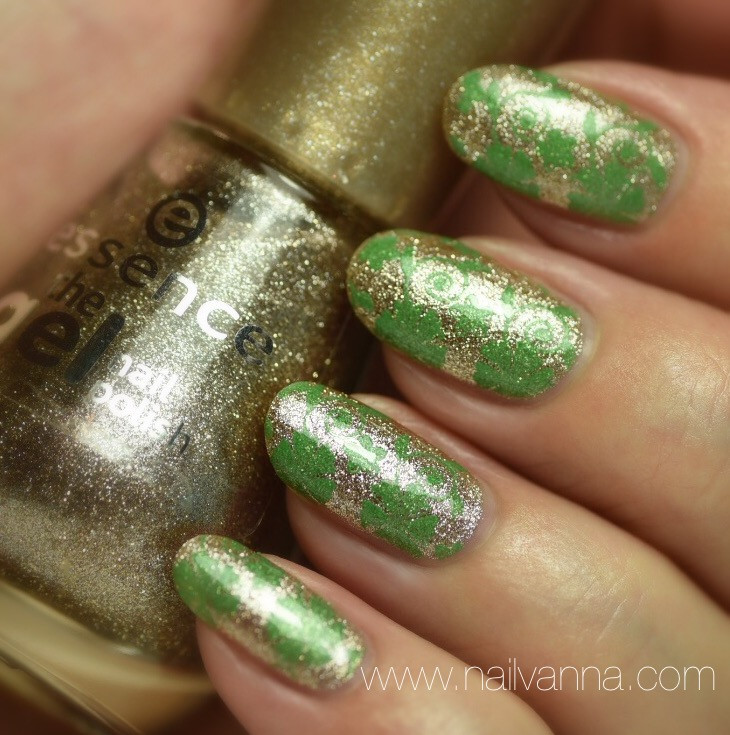 Nailvanna,nail polish reviews,lacquer,Essence,On Air!,Gold,glitter,St. Patrick's,Pure Ice,Free Spirit,nail art,Champagne Supernova