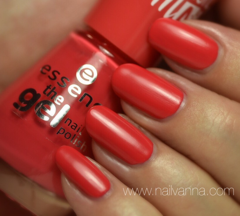 Nailvanna,nail polish reviews,laquer,Essence,Va-Va-Voom