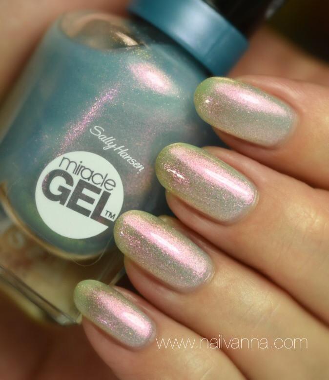 Nailvanna,nail polish reviews,lacquer,Sally Hansen,Let's Get Digital