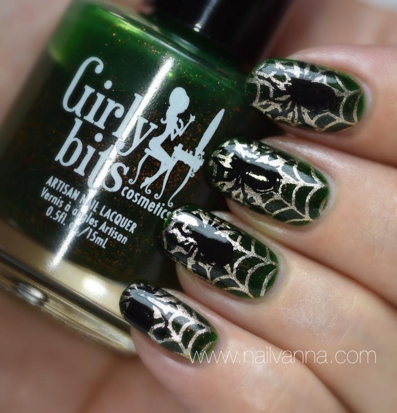 Nailvanna,nail polish reviers,lacquer,Girly Bits,Darkly Dreaming,green,Halloween