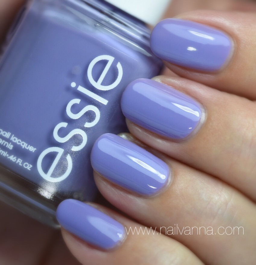 Nailvanna, nail polish reviews,lacquer,Essie,Lapiz of Luxury