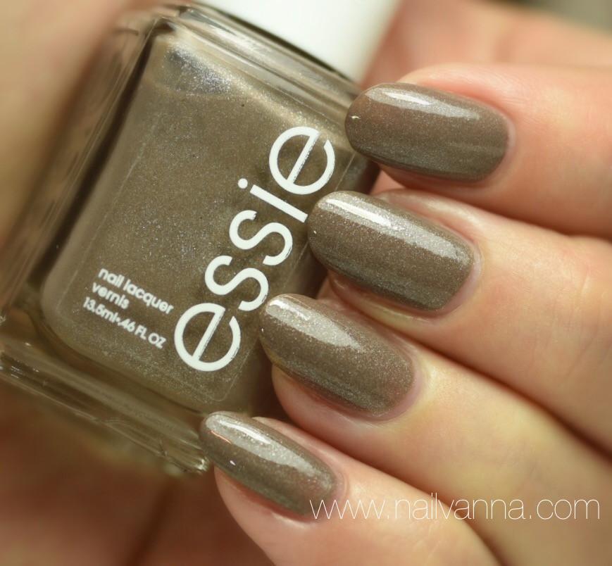 Nailvanna,nail polish reviews,lacquer,Essie,Mochacino