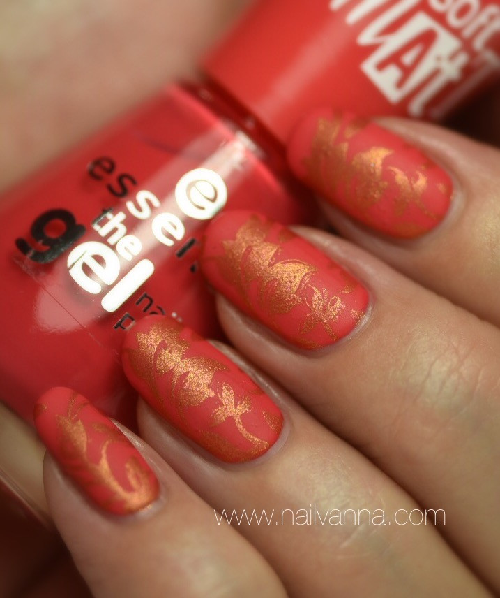 Nailvanna,nail polish reviews,laquer,Essence,Va-Va-Voom