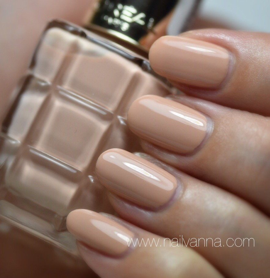 Nailvanna,nail polish review,lacquer,L'Oreal ,Cafe De Nuit,nude nails