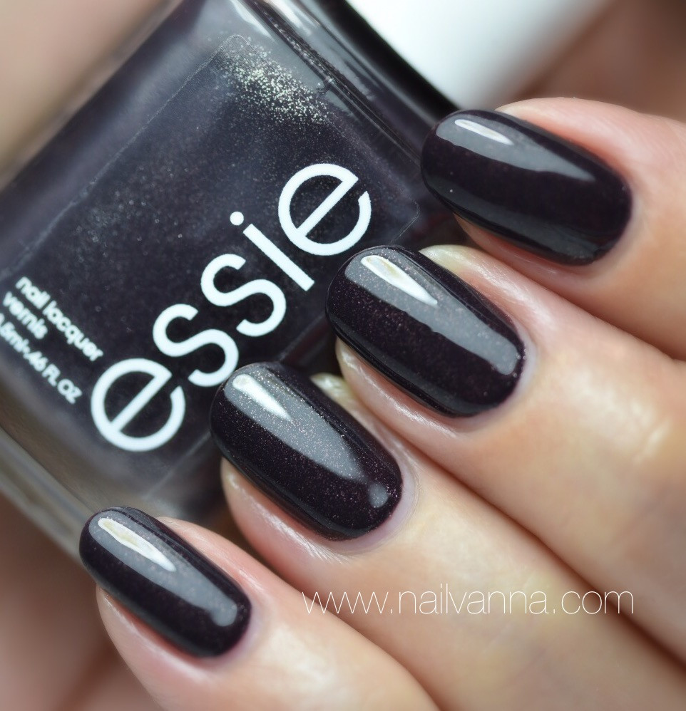 Nailvanna, nail polish reviews,lacquer, Essie,Frock 'n Roll,