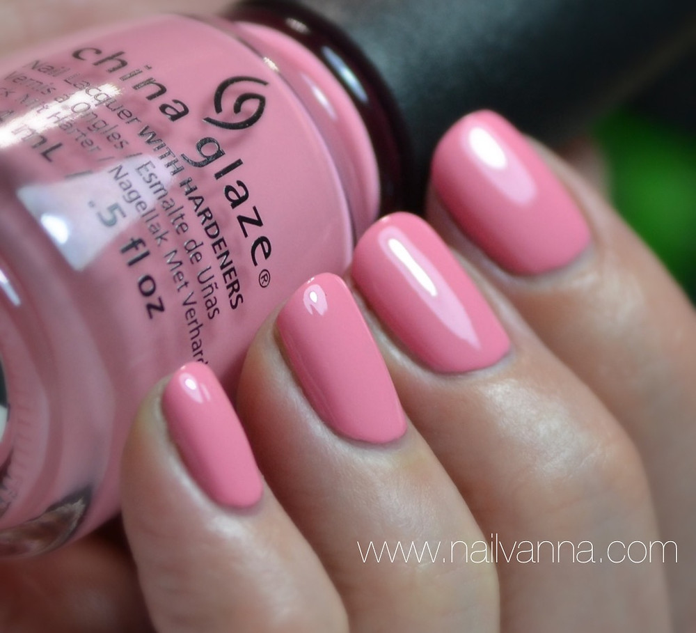 Nailvanna,nail polish review,lacquer,china glaze,pink or swim,house of color
