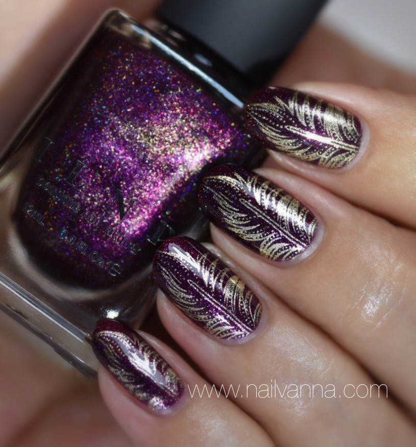 Nailvanna,nail polish reviews,lacquer,holosexual,ILNP Black Orchid