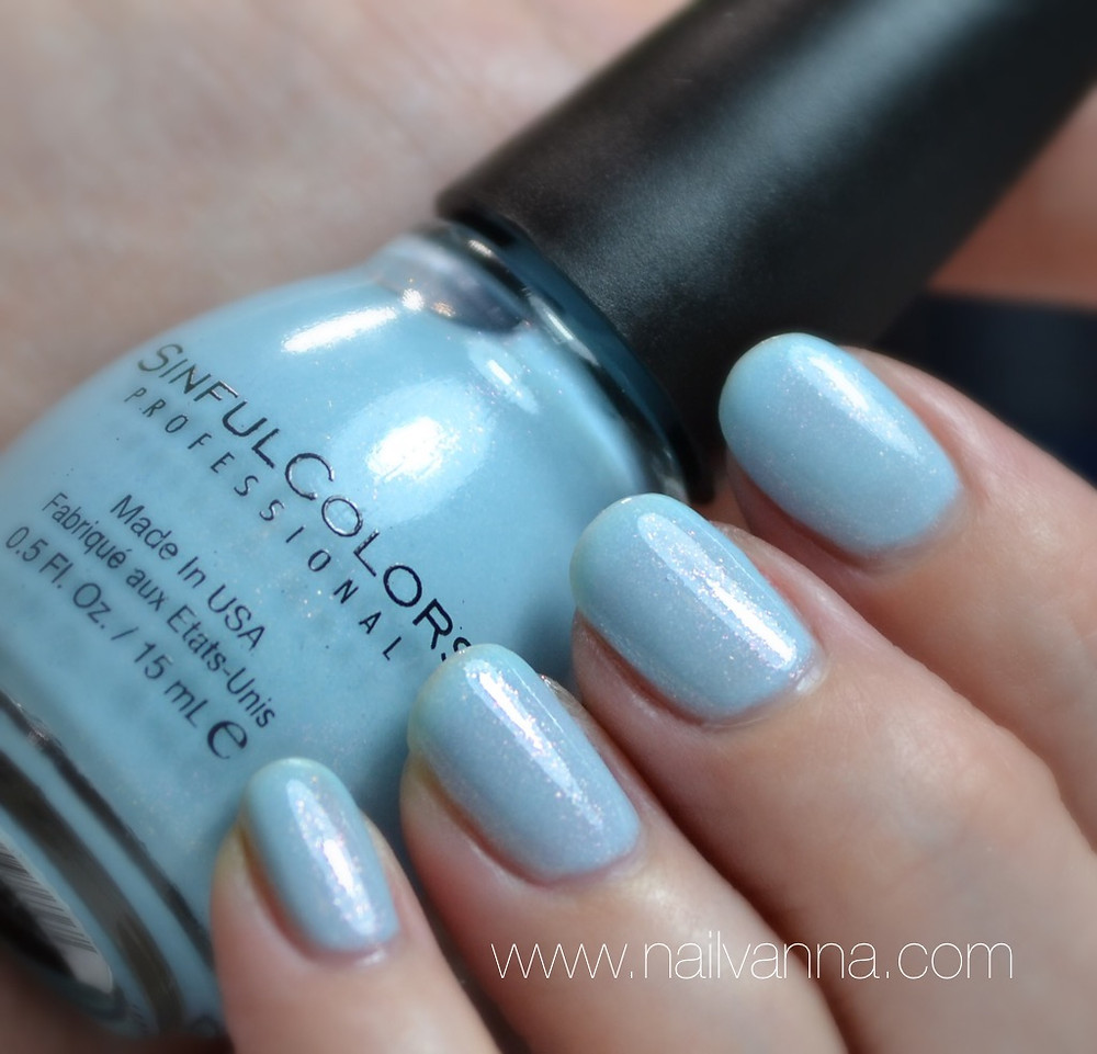 Nailvanna,nail polish reviews,lacquer,sinful colors,cinderella,blue shimmer