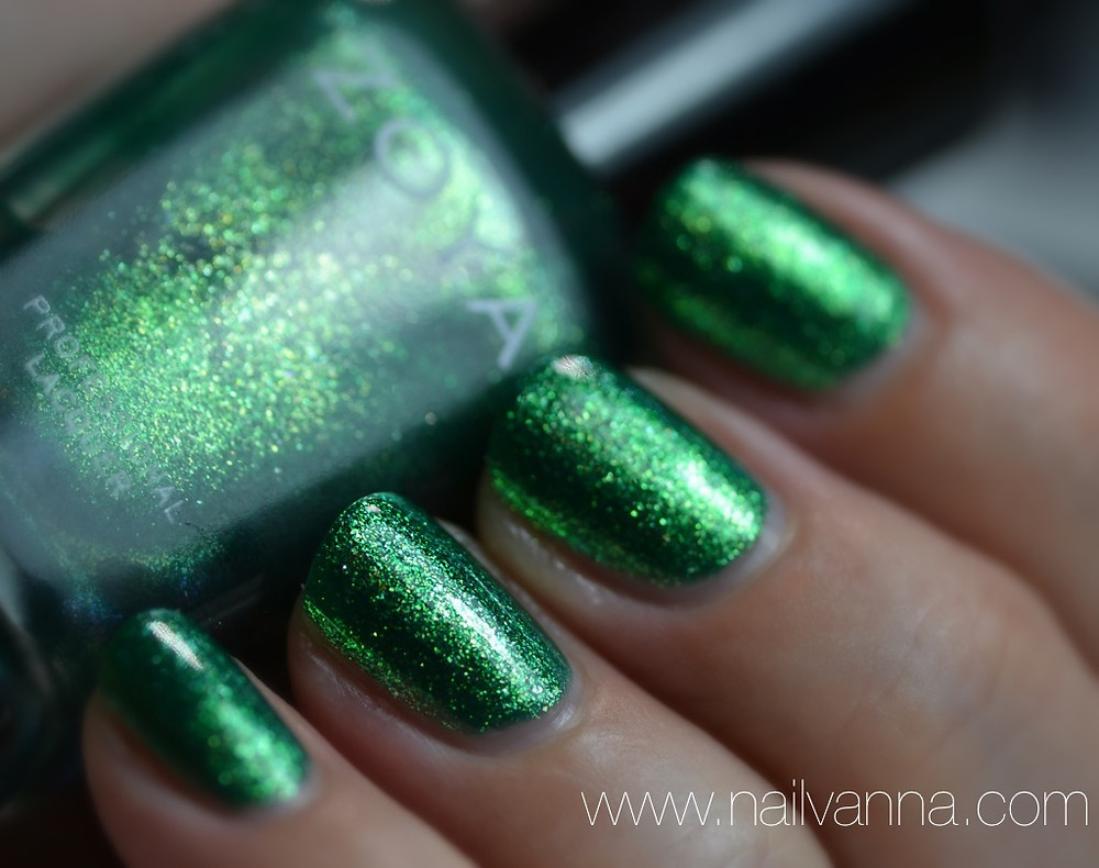 Nailvanna,nail polish review,lacquer,zoya,ivanka,green foil
