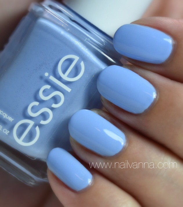 Nailvanna,nail polish review,lacquer,Essie,Bikini So Teeny,blue