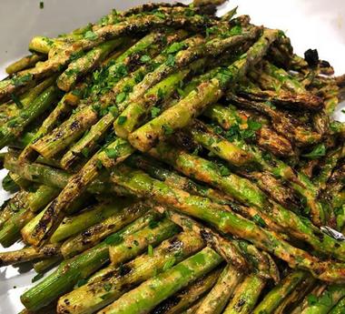 smoky glazed asparagus.png