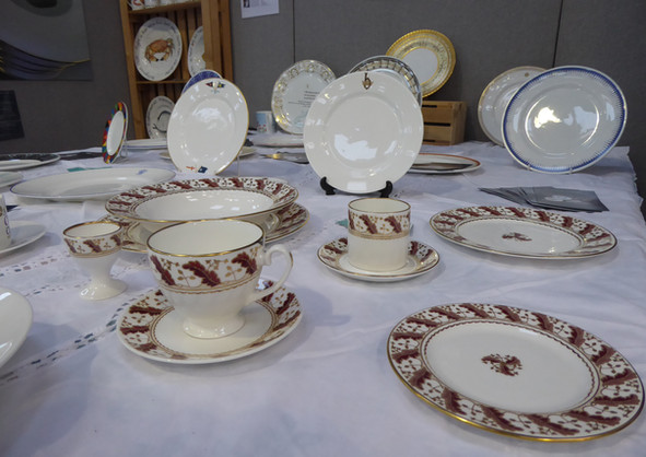 Gold and Red Dinner Service