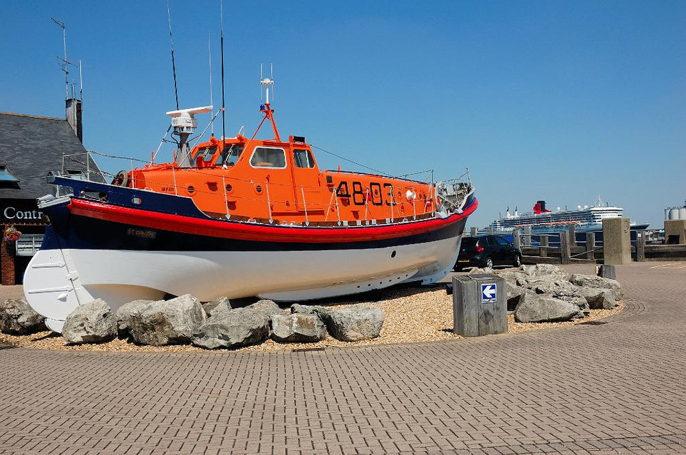 TL_Hythe_Lifeboat.jpg