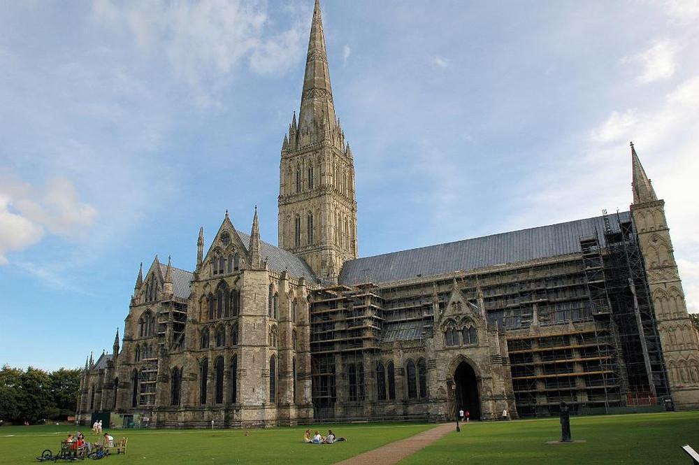 L_Salisbury Cathedral.jpg