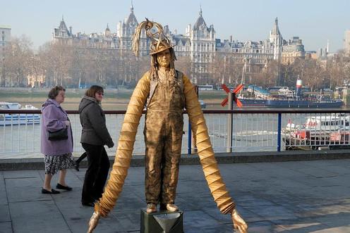 TL_London_Statue.jpg