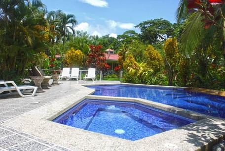 rio-parismina-lodge-pool.jpg