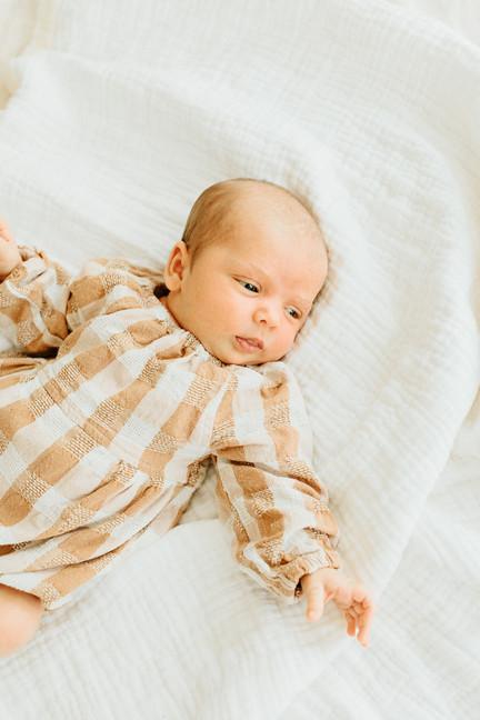 Oahu_Newborn_Photographer-24.jpg
