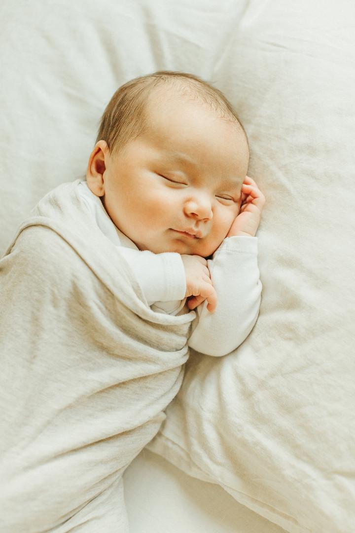 Oahu_Newborn_Photographer-20.jpg