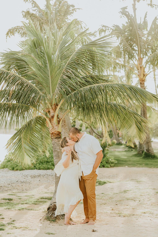 Oahu Couples Photographer