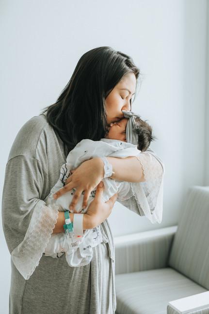 Top Birth Photographer on Oahu
