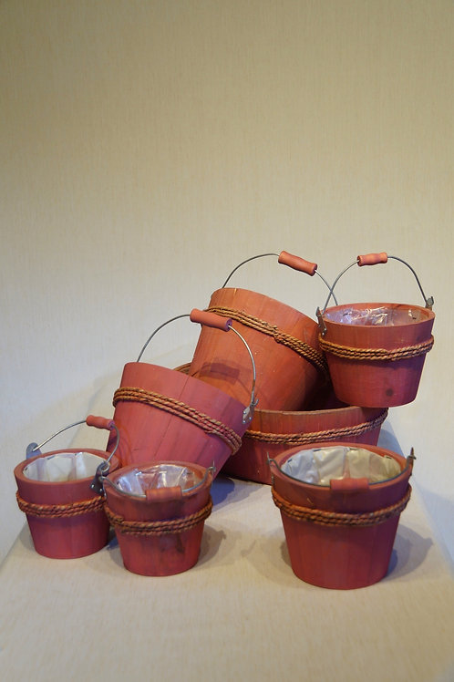 6 Flower pots