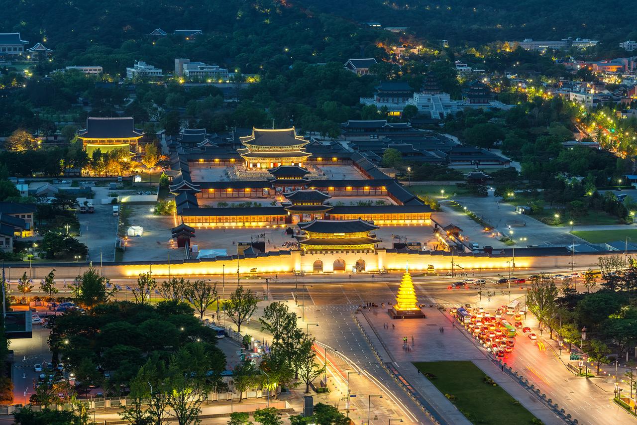 Cozy Night of Changdeokgung Palace