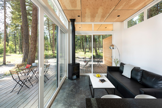 Stoner Creek Cabins Living Room