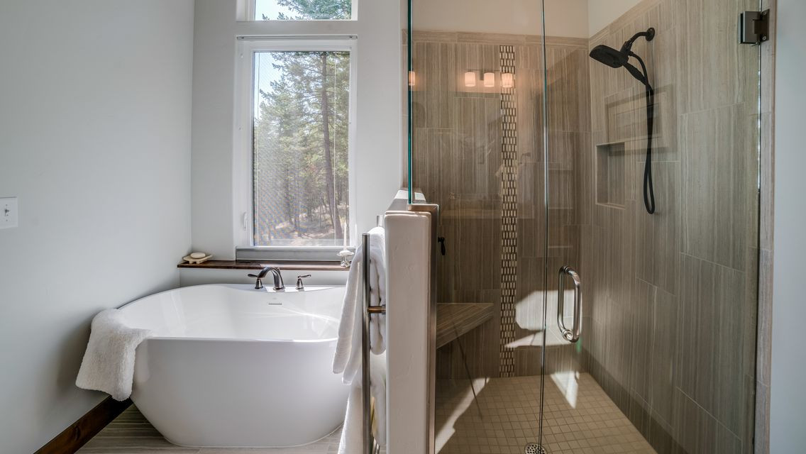 Big Bear Boulder Master Bath