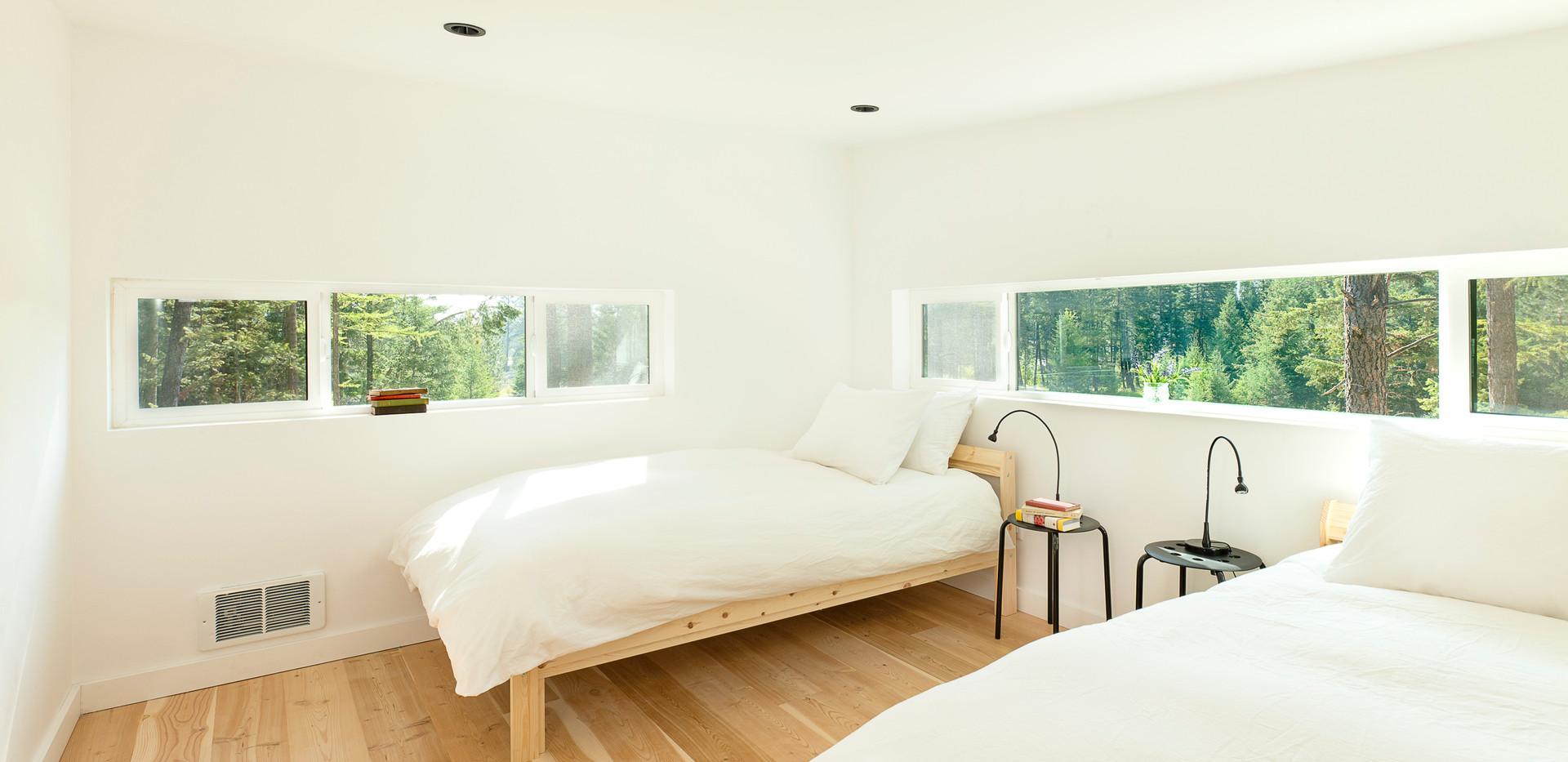 Stoner Creek Cabins Upstairs Bedroom