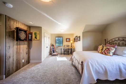 Guest Suite & Darts