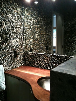 Romeo powder room 2