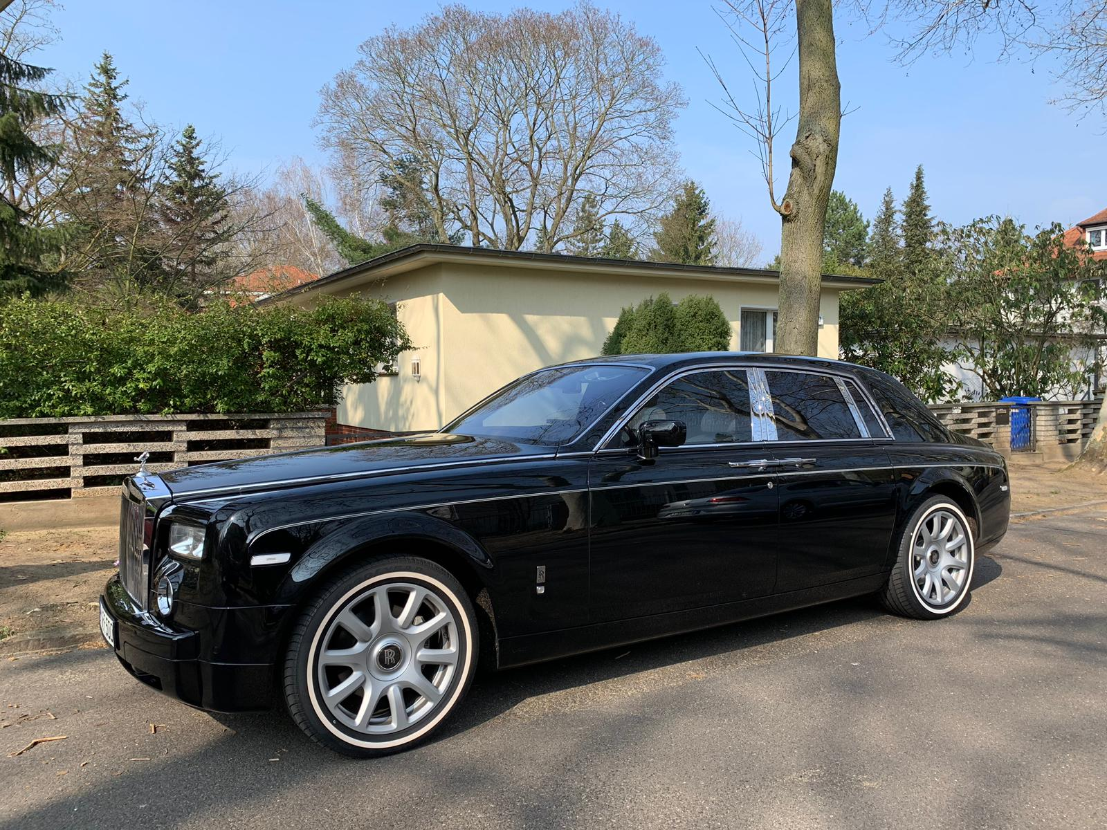 ROLLS ROYCE PHANTOM BLACK EDITION