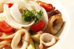 insalata di calamari con pomodorini