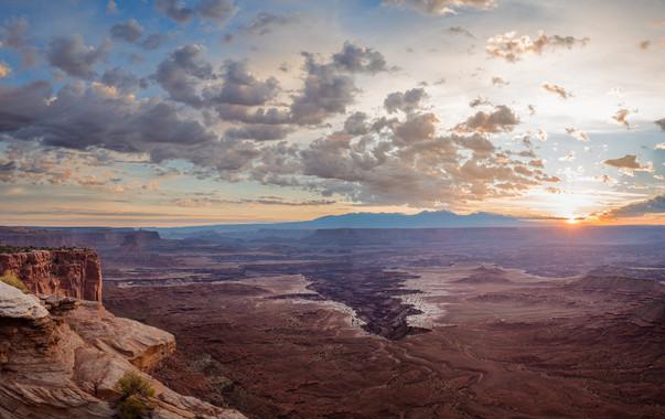 CanyonlandsSunrise-Best.jpg