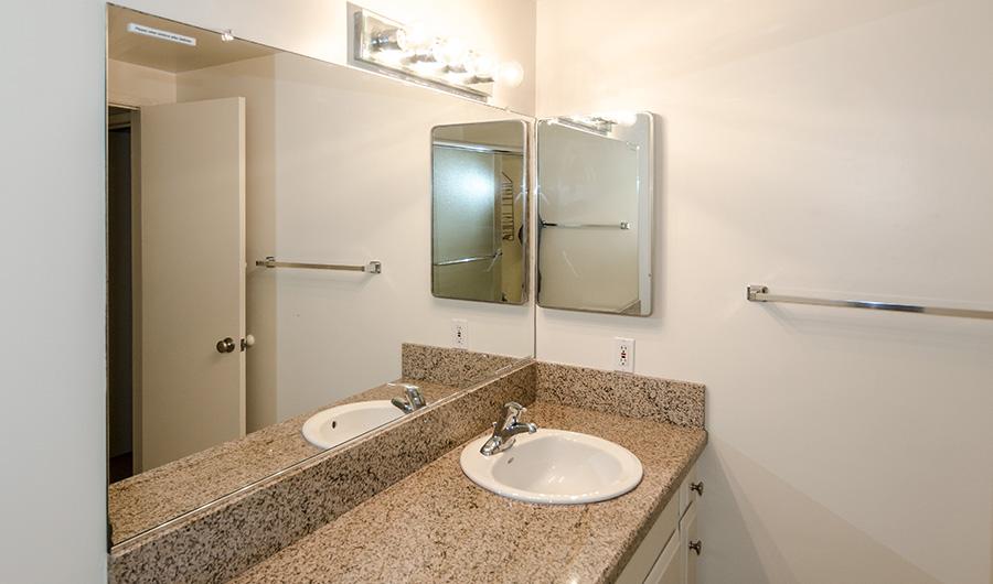300H-bathroom-2