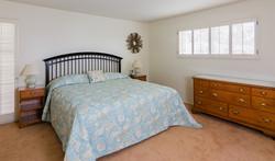300H-bedroom-1