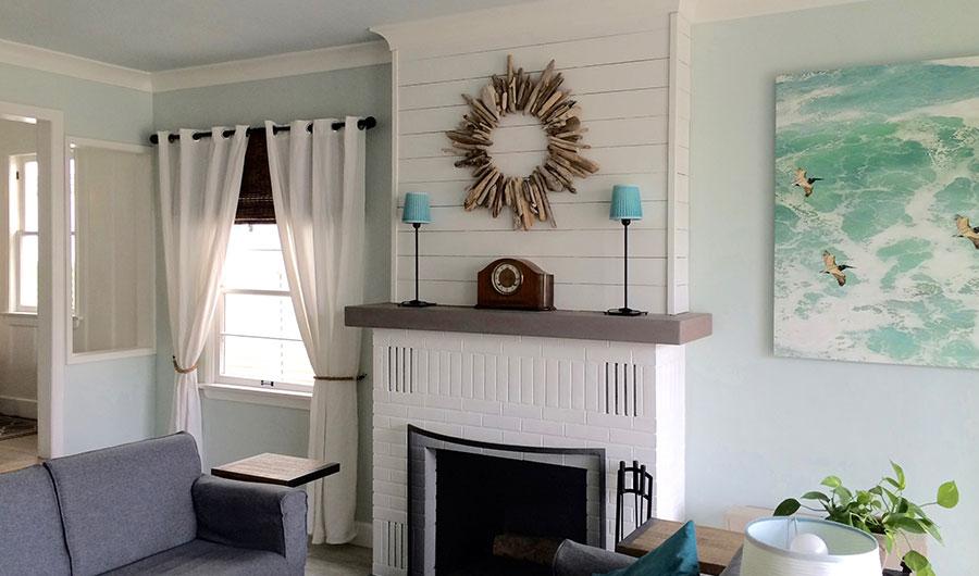 3-Living-Room-Pelicans-Mantle