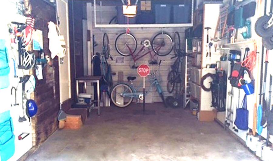 8-Garage