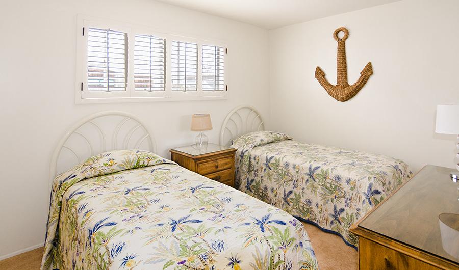 300H-bedroom-3