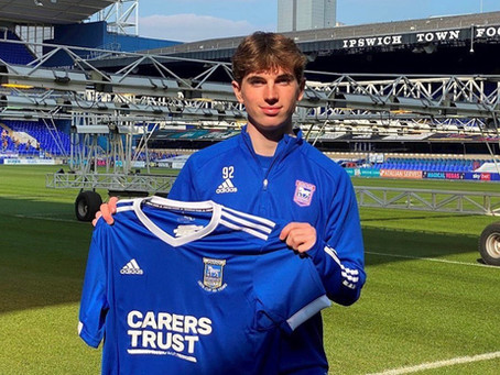 SRUSA Elite Client, Matty Ward, signs Pro Contract at Ipswich Town FC