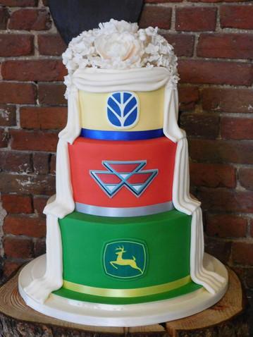 Wedding Cake Angelic Delights lincoln.jpg