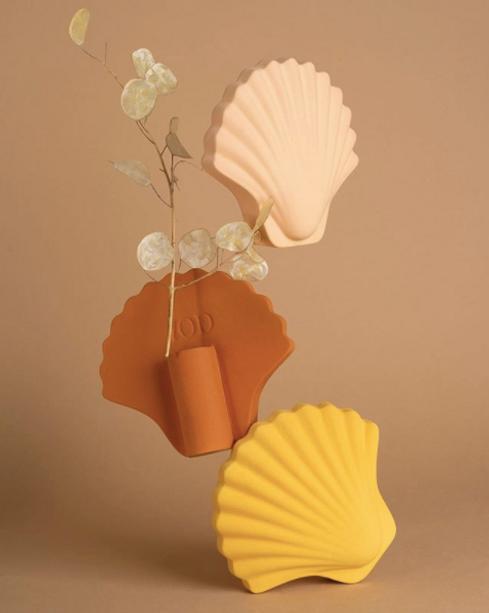 Seashell Vase.png