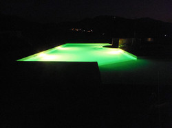 L'illuminazione della piscina