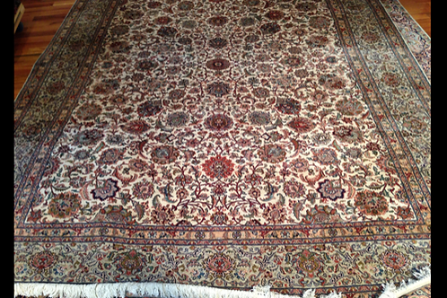 Fine Hand Knotted Silk Rug