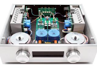"""Kinki Studio lander snart i Danmark. 6moons gav deres integrerede amp den eftertragtede """"Blue M"""