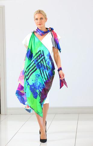 ClareOC_Fashionshow19_90x90_Look1_3.jpg